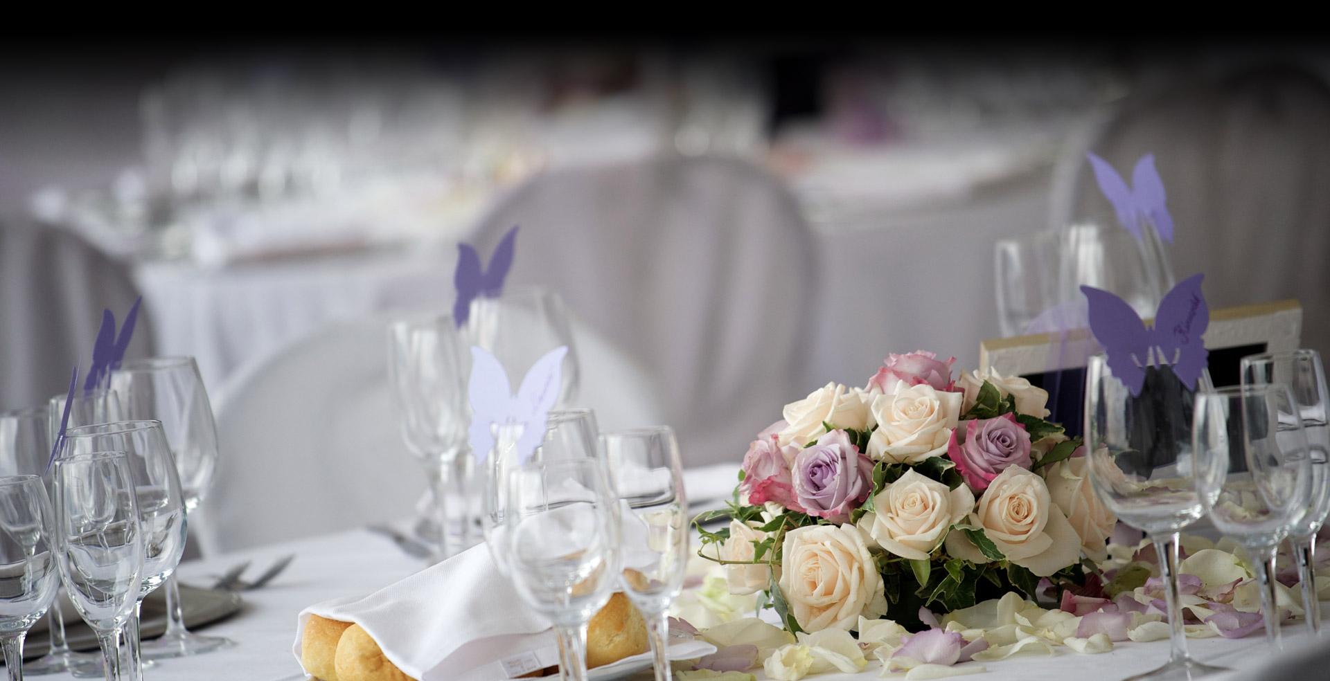 Décoration de salles, tables, chaises